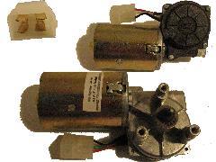 140000021 - Ablaktörlő motor 215x215